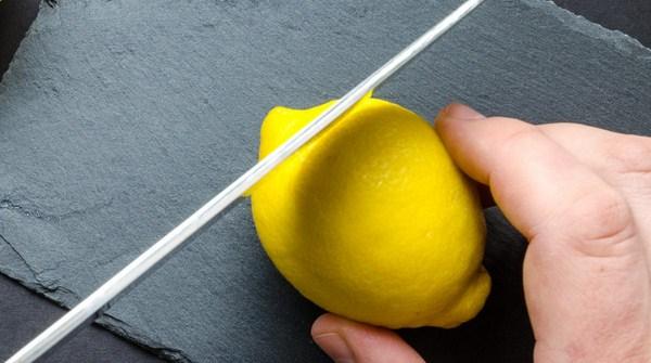cara membuat essential lemon oil