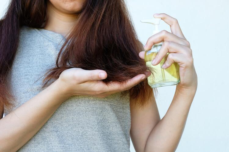 Cara Menggunakan Minyak Kelapa Untuk Rambut